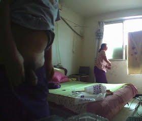 Gündelikçi kadını evde gizlice siken adam