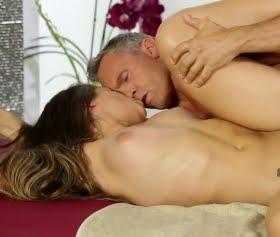 Cassidy Klein, Marcus London masör seksi