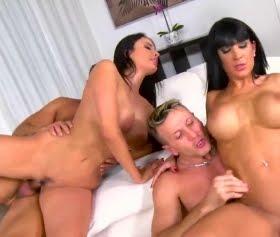 Yanıyor alev alev Anissa Kate, grup porno Valentina Ricci, Sabby