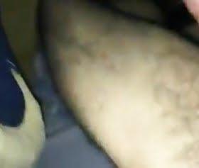 türk kuzenin kafasına yorgan çekip kıza saxo çektirdi