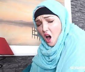 crazy hijab sex, striptizci tesettürlü arap