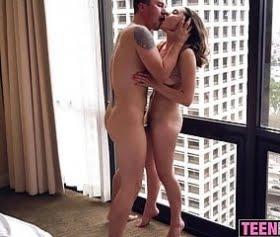 kaçamak için otelde buluşup seks yapıyor sevgilisi ile