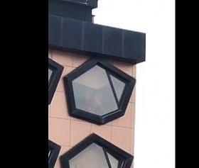 otelin penceresindeki sikiş acayip güzel