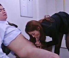 ince çoraplı sekreteri taylandlı müdür götürüyor