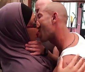 teknik servisçilere sırayla siktiren fransız hijab