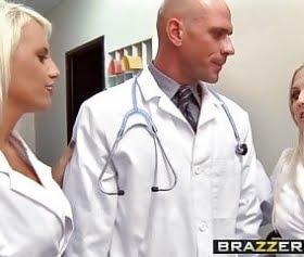 ateşli hemşireler karizmatik doktora sırayla domaldı